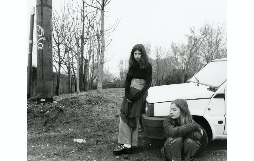 Ein Bild, das draußen, Person, Mädchen, jung enthält.Automatisch generierte Beschreibung